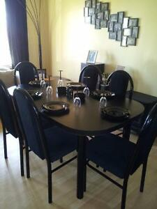DINING TABLE AND 6 CHAIRS Cambridge Kitchener Area image 1