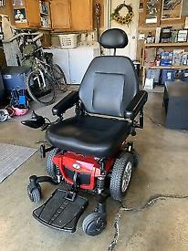 Quantum Q4 power wheel chair