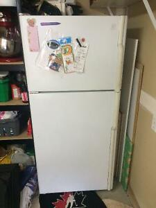 Maytag Fridge with built in ice maker