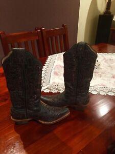 Lady's boots Aldinga Beach Morphett Vale Area Preview
