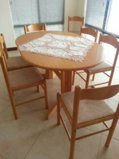 Timber Oval Dining Table Only 12000 Negotiable Osborne Park