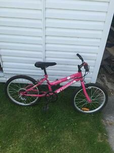 Girls 6speed bike.