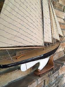 Sailboat decor in like new condition London Ontario image 4