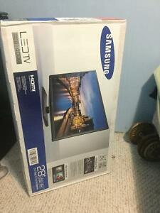 "28"" Samsung LED TV Bran New"