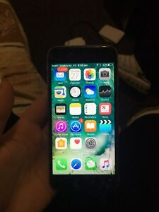 iPhone 6s cracked screen but works fine still Albion Park Shellharbour Area Preview