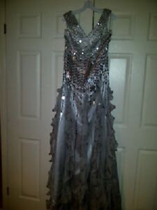 Gorgeous Gown NEVER WORN   *BRAND NEW*