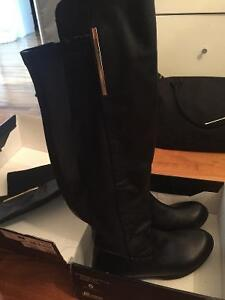 TALL BLACK FITTED FALL BOOTS