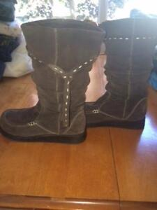 Womens Aldo brown swade boots