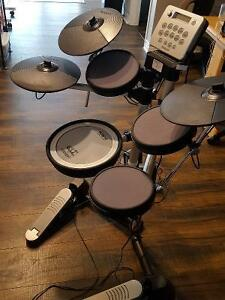 ROLAND HD-3 Electronic Drum Set