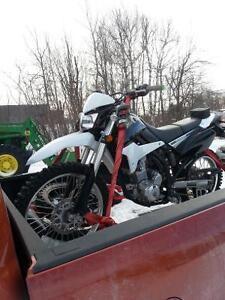 2011 klx 250 in excellent condition low kms