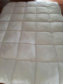 Double mattress topper