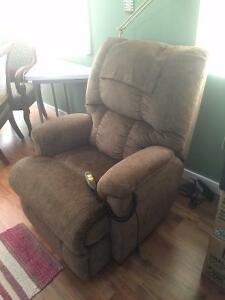 Lift Chair - Like New Condition