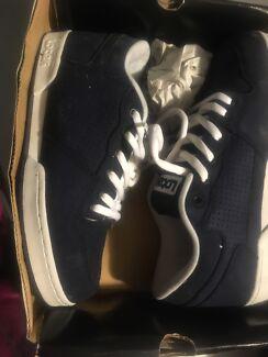 Lotek Skate Shoes - brand New Sz 9 0r 10