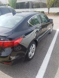 2013 Loaded Acura ILX Hybrid 43,000 KM only