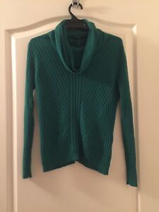 David Lawrence green wool cowl neck jumper size M Prestons Liverpool Area Preview