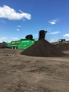 Topsoil screeners & jaw crushers