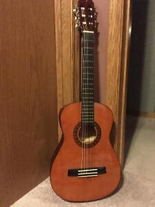 Perfect guitar for the young beginner