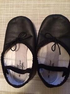 Size 9 toddler ballet shoes