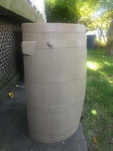 Flat Back Rain Barrel - 50gal Windsor Region Ontario image 2