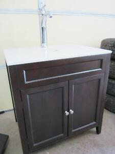 NEW bathroom vessel sink vanity and faucet/Tap