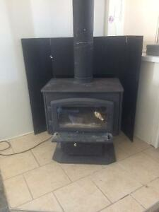 Slow burning wood stove - poele combustion lente