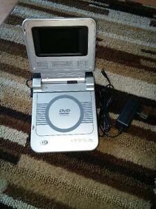 Mini DVD player portable Durabrand PVS122B