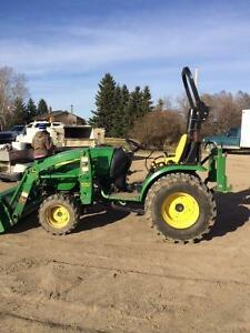 JD 2520 Utility Tractor