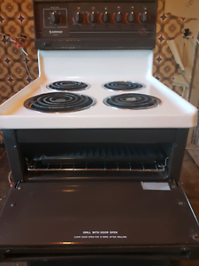 Free standing electric oven and grill. Sandy Bay Hobart City Preview