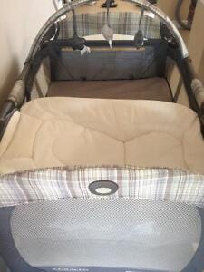 Graco Pack N Play $100.00 OBO Cambridge Kitchener Area image 2