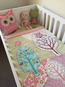 BEAUTIFUL STYLISH COT AND OTHER KIDS ITEMS, NEW AND USED Biggera Waters Gold Coast City Preview