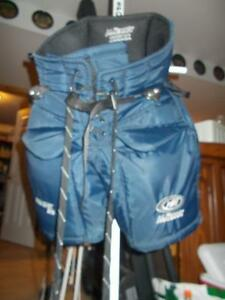 McKenney Pro 370 Jr Medium Goalie Pants Belleville Belleville Area image 1