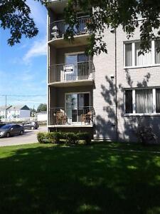 Condo a Roberval; grand 41/2 situé au 2e etage d'un immeuble Lac-Saint-Jean Saguenay-Lac-Saint-Jean image 1