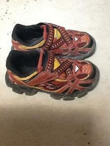 STRIDE RITE IRON MAN RUNNERS 10.5