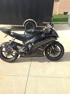 2010 Yamaha R6 Low Miles, Super Clean