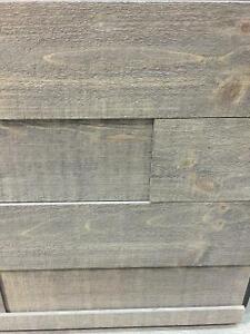 Planche imitation bois de grange