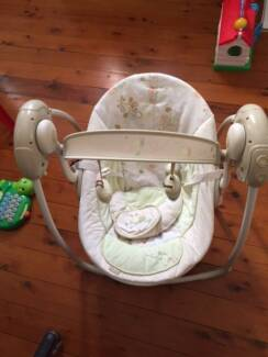 Automatic music baby swing