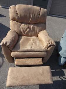3 Fully Reclining Rocking Chairs Peterborough Peterborough Area image 3
