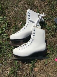 For Sale C.C.M. Competitor skates size 3. Asking $20