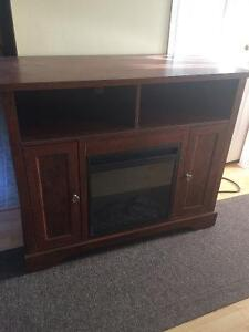 Fireplace/entertainment unit