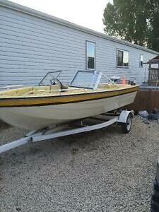 Wide 15 foot bow rider.       Reduced