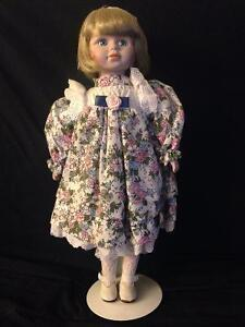 Porcelain Dolls with Stands in Mint Condition Kitchener / Waterloo Kitchener Area image 8