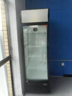 Second Hand COMMERCIAL GLASS DOOR BOTTLE FRIDGE (MFF 019)