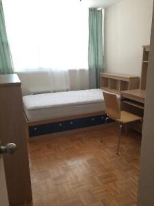 FURNISH ROOM FOR RENT CLOSE DON MILLS AND EGLINTON