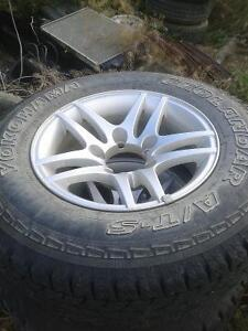 Suzuki rims and tires