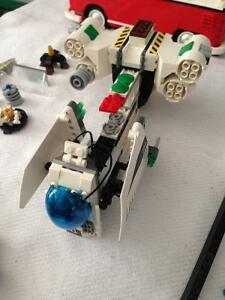 VINTAGE ASSORTED LEGO PIECES SPACESHIP - PARKER PICKERS -