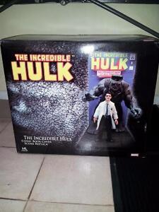 INCREDIBLE HULK COMIC BOOK COVER SCENE REPLICA OF HULK #1