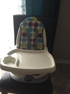 Chaise dappoint , booster chair NEW 35$