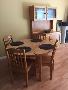 Pine TABLE & 6 CHAIRS & HUTCH