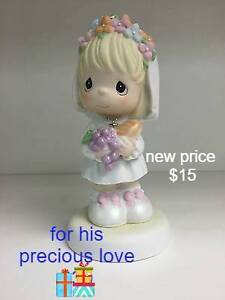 precious moments and other gift items. - London Ontario image 7
