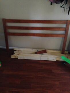 Broken double size bed free to pickup